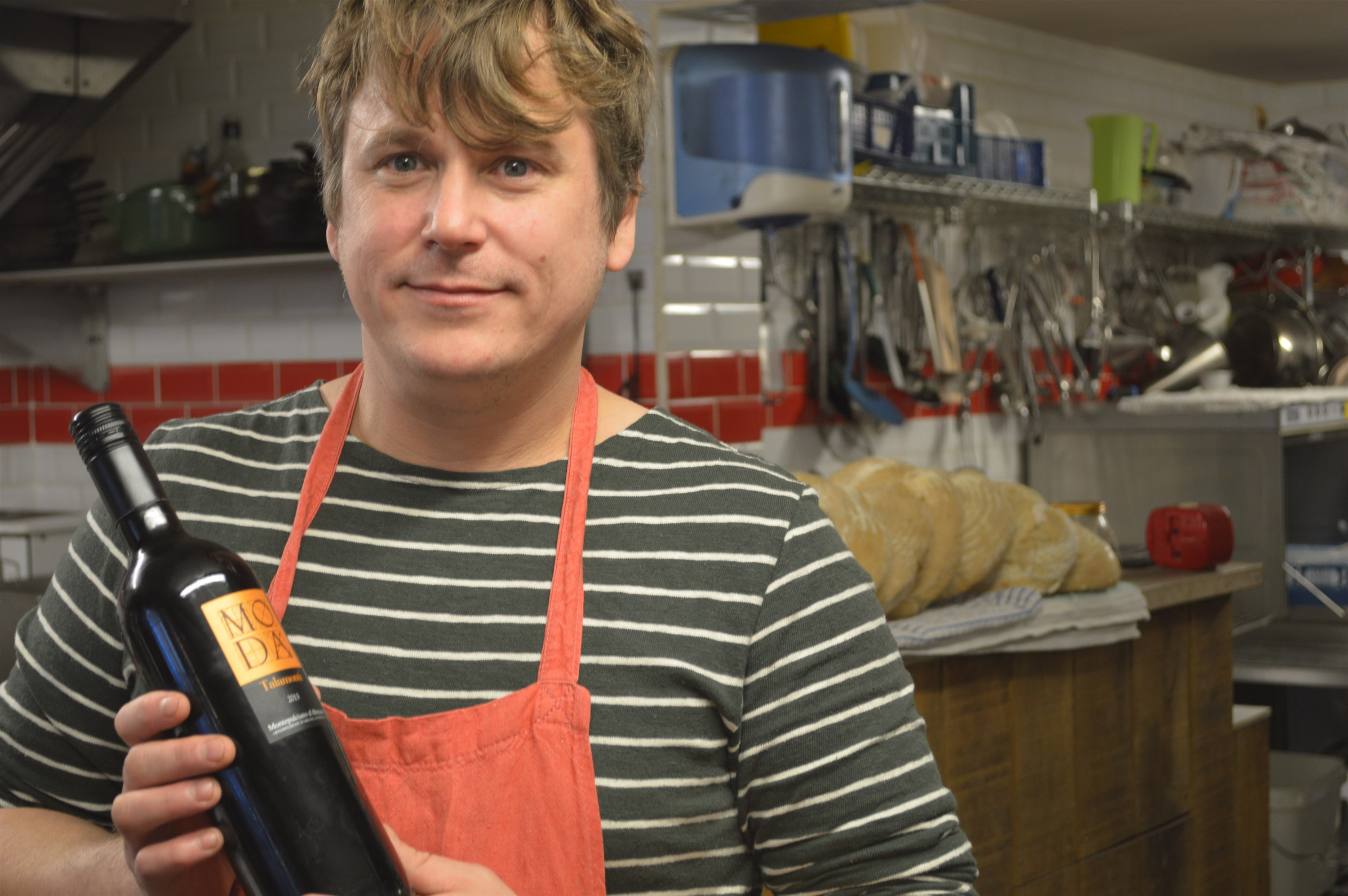 Rusty Pig Hits The Bottle The Exeter Daily