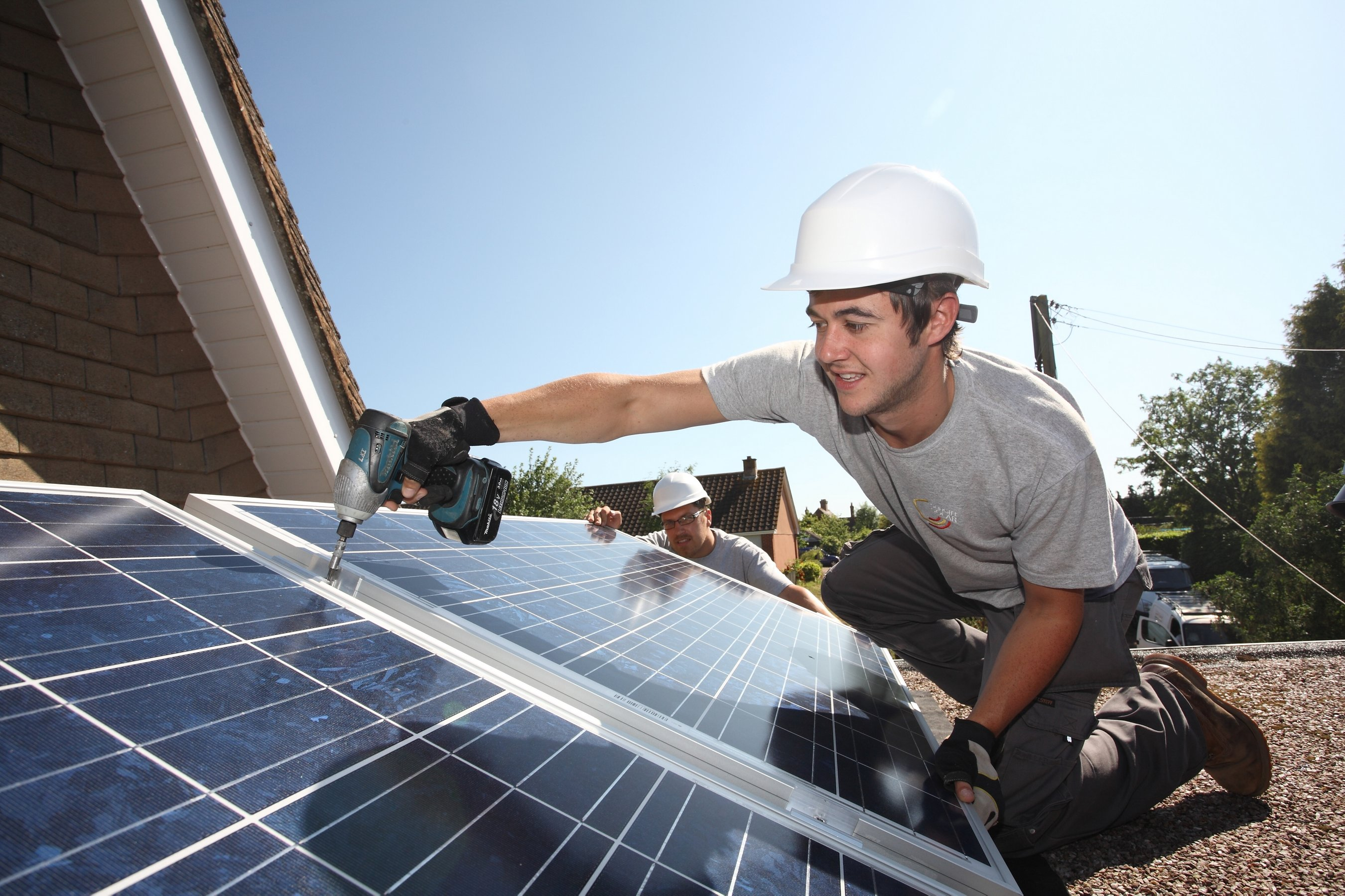 homeowners helped with cost of installing solar panels the exeter daily. Black Bedroom Furniture Sets. Home Design Ideas