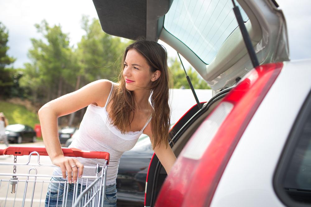 women shoppers targeted in supermarket distraction thefts. Black Bedroom Furniture Sets. Home Design Ideas