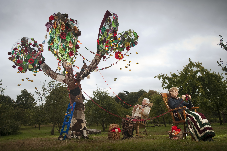 Yarn Bomb Bursts Apple Tree Back To Life!