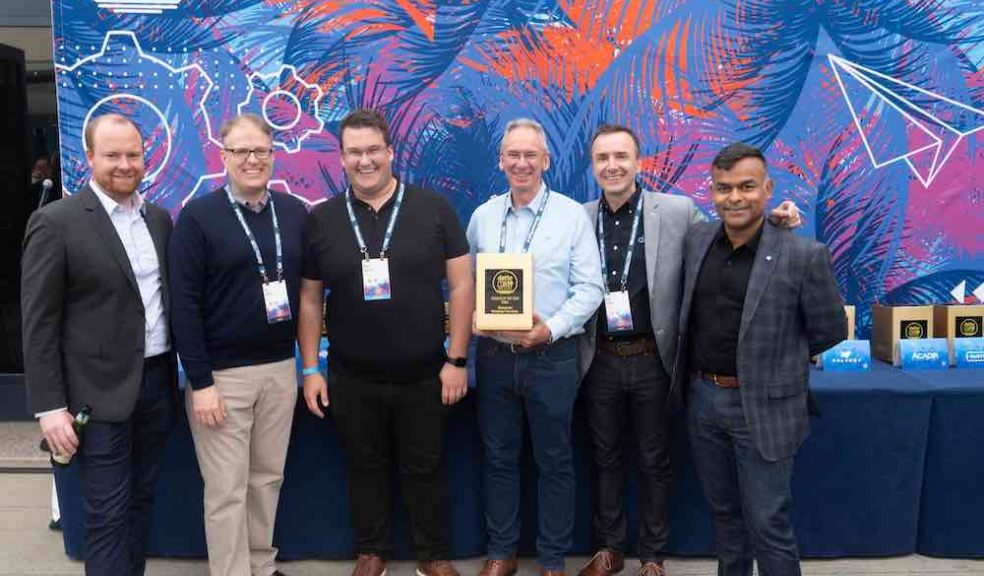 IT specialist Bluegrass is presented with its Golden Pioneer of the Year Award at DattoCon 19