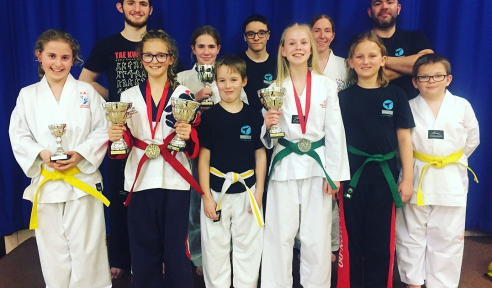 Group of tae kwan do students