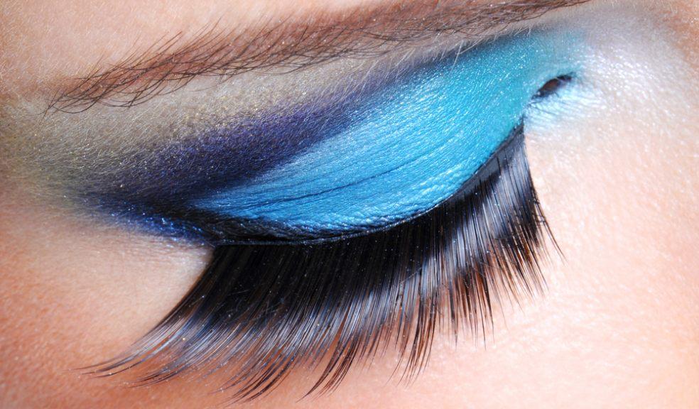 10 Tips for Getting Longer Eyelashes to Enhance Your ...