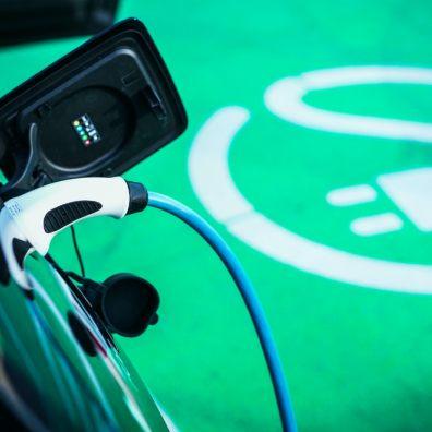 Record uptake in electric car grants